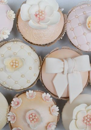 From Rosalind Miller Cakes #weddingcupcakes
