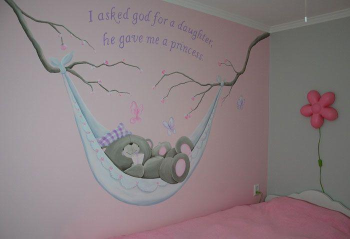 Forever Friends meisjeskamer muurschildering met roze en lila. Gemaakt door BIM Muurschildering.