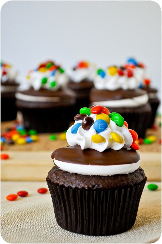 M & M Cupcakes | CulinaryChat