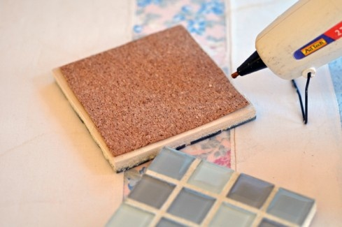Best 25 tile coasters ideas on pinterest homemade for Ceramic tiles for crafts projects