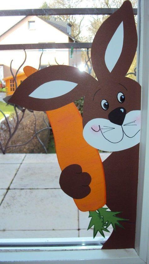 Fensterbild Tonkarton Frühling Fenstergucker Hasen Junge mit einer Mohrrübe XL 2
