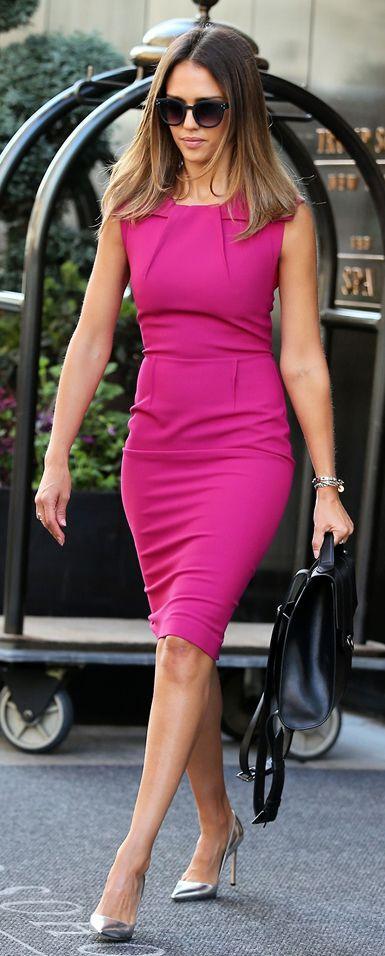 Jessica Alba in Roland Mouret-Dress