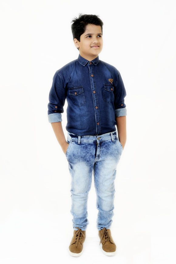 Abduct India is a fatty kids wear online shopping store for plus size kids and we have a wide range of trendy apparels likes extra large size denim jeans, extra large size kids dresses, kids designer shirts, odd size kids wears and lots of other dresses.