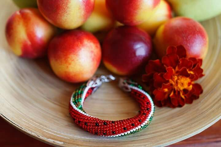 Яркие сочные браслеты #браслет #ручнаяработа #бисерныйжгут #жгутизбисера #арбуз #лето #handmade #bracelet #beaded #watermelon