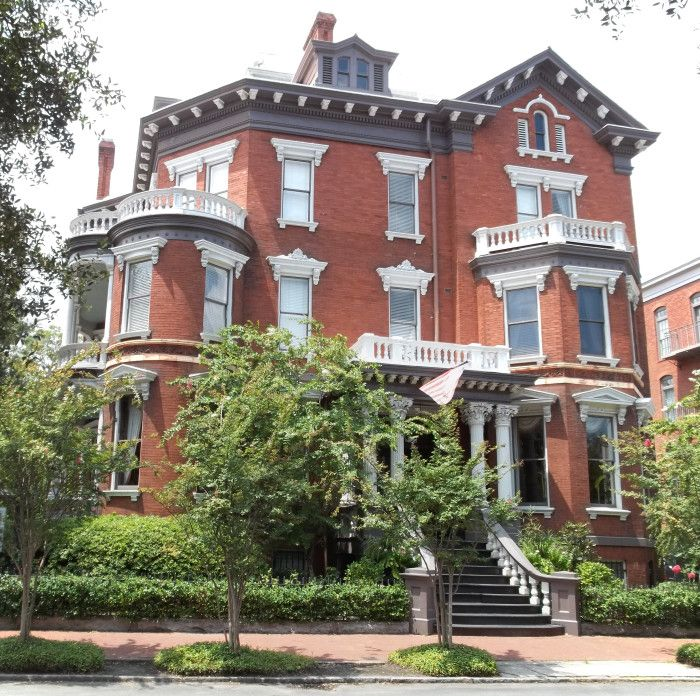 Kehoe House in Savannah, Georgia is home to many spirits including a little girl and the Lady in Gray. The Lady in Gray is known to be a friendly spirit, and visitors report that she has stroked their hand or cheek.