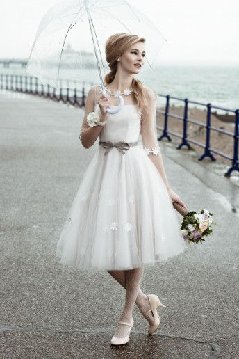 Wedding Magazine - Lookbook: short wedding dresses