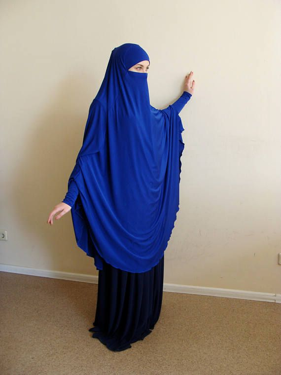 The original model of the traditional hijab - khimar, which is a single movement can become a niqab. You just need to lift hijab from his chin and closes face.bright saturated color electric blue - looks stylish!. It will become a favorite in your wardrobe! This model burkas have a cuff that will make your hijab is not only very beautiful but also convenient for daily use. This handy headdress like those who do not yet know how to wind a scarf, busy mums and female students. It is simple and…
