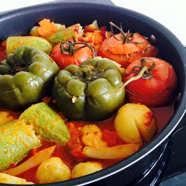 ♥ Turkish stuffed vegetables with minced meat (Dolma) - super healthy and insanely delicious! // Cook Up A Passion