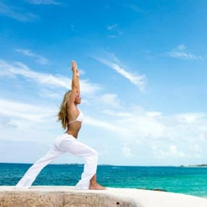 Improve your mood with these yoga poses: Happy Yoga, Beaches Yoga, Fast Sustainability, Transformers Yoga, Yoga Poses, Tops Yoga, Meals Plans, Yoga Moving, Health Magazines
