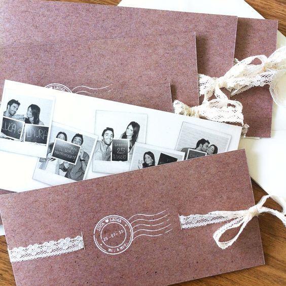 Partecipazioni di matrimonio stampate in carta craft confezionate con pizzo avorio e foto polaroid in bianco e nero degli sposi!! L❤️L