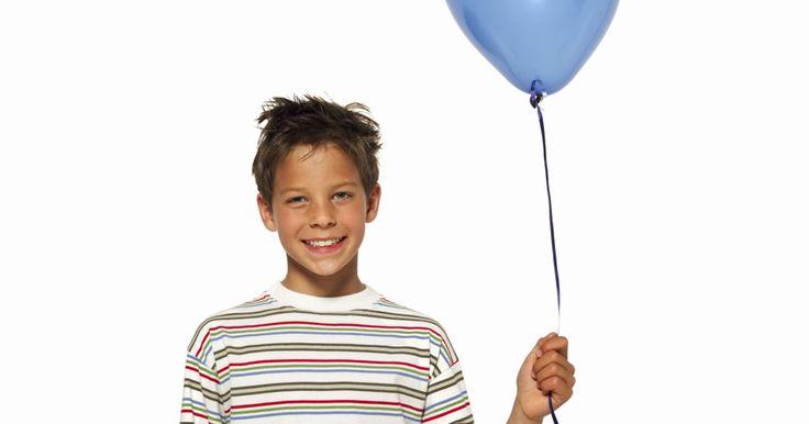 O que fazer para um menino no seu 13º aniversário. O aniversariante está fazendo 13 anos de idade. Ele chegou a essa delicada idade da puberdade, um momento estranho em sua vida em que está preso em algum lugar entre ser um menino e um jovem. Embora ele possa ser sempre o seu bebê, a verdade é que encontrar o presente perfeito não é tão simples quanto costumava ser. Então, ao invés de se debater ...