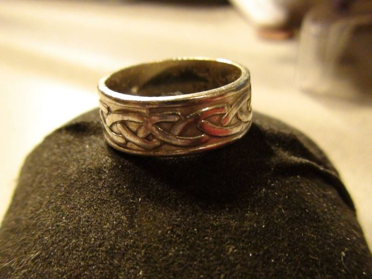 Excited to share the latest addition to my #etsy shop: celtic knot ring 925 sterling silver vintage mexican silver http://etsy.me/2BHbVu7 #jewelry #ring #silver #celtic #celticring #celticjewelry #celticknots #celticknotring #celticsilverband