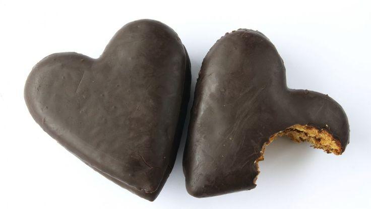Honninghjerter er en lækker dansk opskrift fra Go' morgen Danmark, se flere dessert og kage på mad.tv2.dk