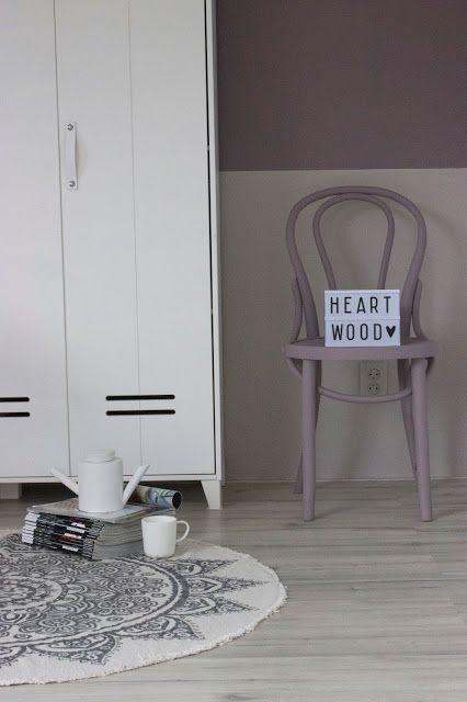 Flexa Heart Wood kleur van het jaar 2018 huisjeaandehaven Urban Taupe DIY lambrisering schilderen akzonobel kleurentrends kleur kleuren verf verven flexabloggers interieurstyling woonblogger