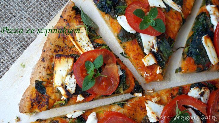Pizza pszenno-żytnia ze szpinakiem i fetą