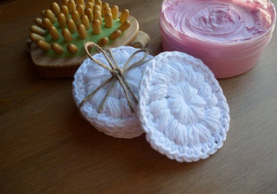 Face scrub pads/Cotton rounds/Make up remover by HeartMadeByMarina