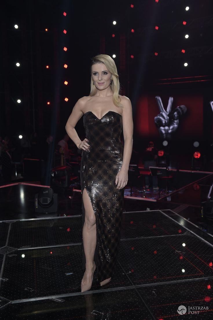 Halina Mlynkova po raz kolejny zachwyciła seksowną kreacją. Podobną wybrała światowej sławy gwiazda na występ w X-Factor - Halina Mlynkova w finale Voice of Poland 6
