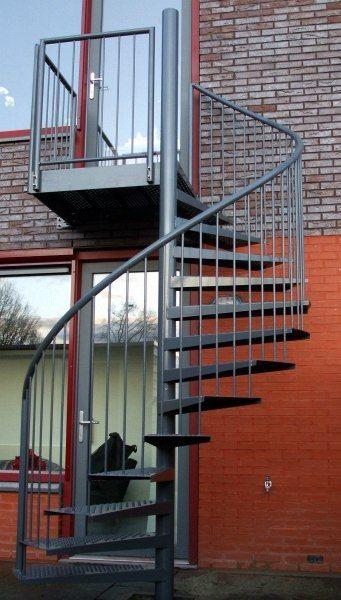 #Stalen_wenteltrap met balkon