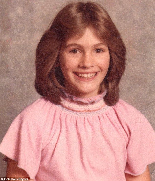 Julia Fiona Roberts (10/28/1967) was born in Smyrna, Georgia, to Betty Lou (née Bredemus) (b. 1934) & Walter Grady Roberts (1933-1977). She attended Fitzhugh Lee Elementary School, Griffin Middle School, & Campbell High School in Smyrna. Roberts wanted to be a veterinarian as a child. She also played clarinet in her school band. After graduating from Campbell High, she headed to New York to pursue a career in acting.