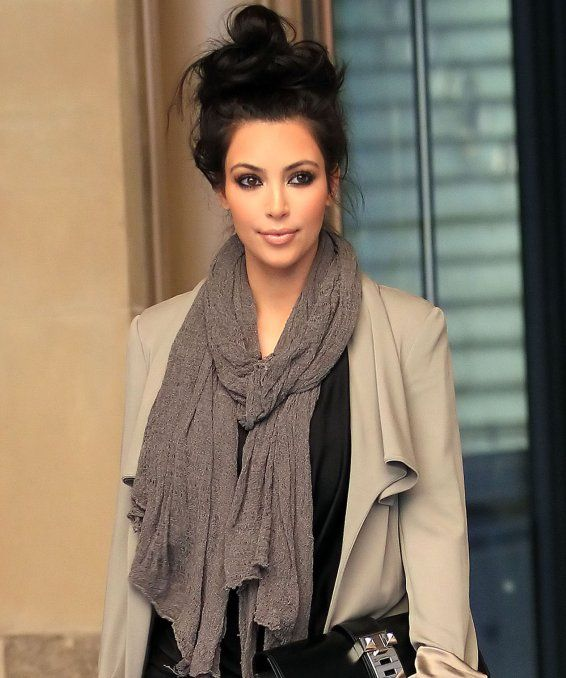 yes its Kim, but i adore this messy up-do!