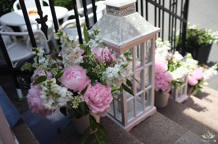 Nasze dekoracje ślubne z różowymi peoniami #peonie #peonies #piwonie #świeczka #candle #dekoracje #ślub #bukiet #bouquet #decoration #pink #flowers #wedding