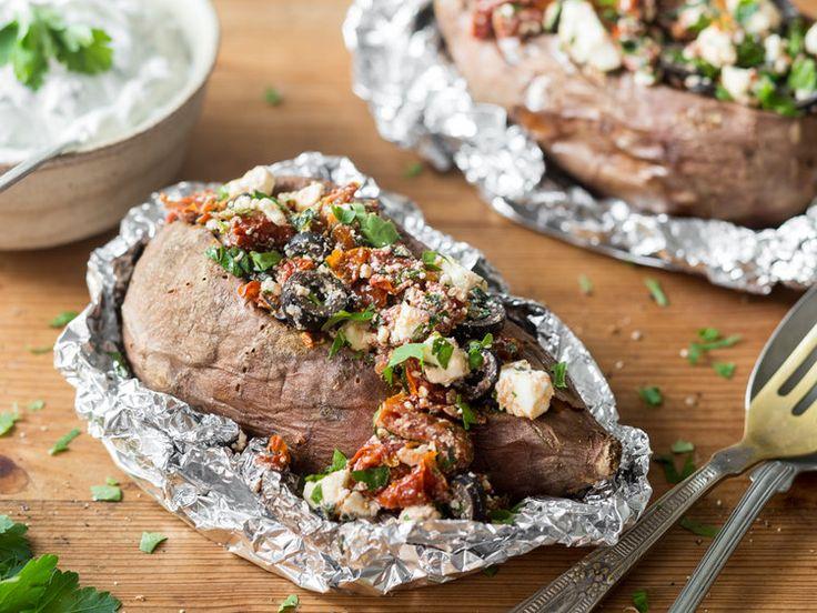 Ofensüßkartoffel mit mediterraner Füllung