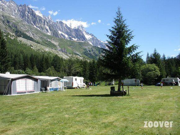 Camping Monte Bianco La Sorgente foto's. Bekijk Vakantie foto's van Camping Monte Bianco La Sorgente in Courmayeur | Zoover