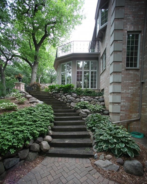 Backyard Stone StairsStones Step, Ideas, Traditional Landscapes, Side Yards, Gardens, House, Landscapes Design, Retaining Wall, Backyards