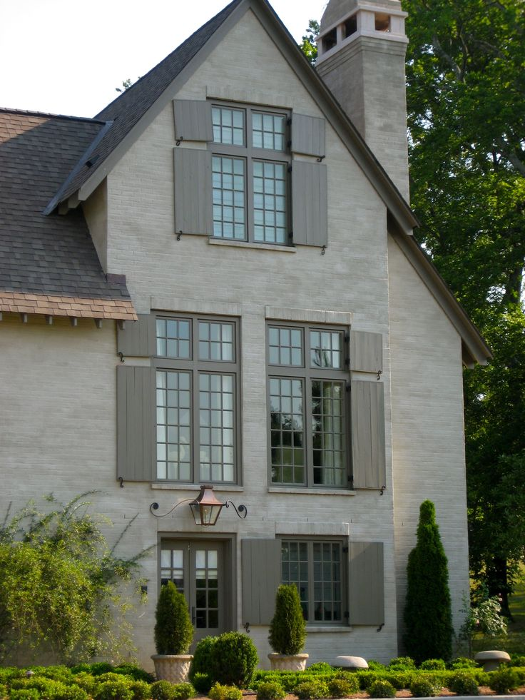 Cream and gray shutters and trim bobby mcalpine for Paint colors exterior house