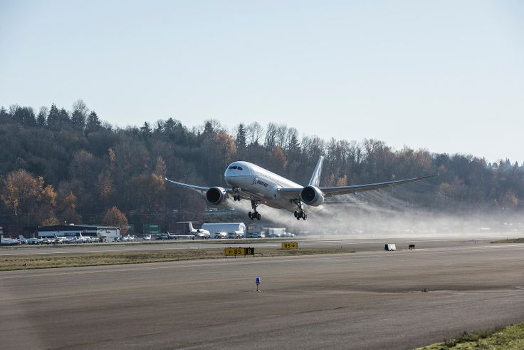 Rolls-Royce Trent 1000 TEN Selected to Power First Flight of the Boeing 787-10 Seattle, Wash., December 8, 2016: The new Rolls-Royce Trent 1000 'TEN'(Thrust, Efficiency and New Technology) has powered a Boeing 787 Dreamliner flight for the first time.   #Boeing 787 #fuel efficiency #Rolls-Royce #Trent 1000 TEN