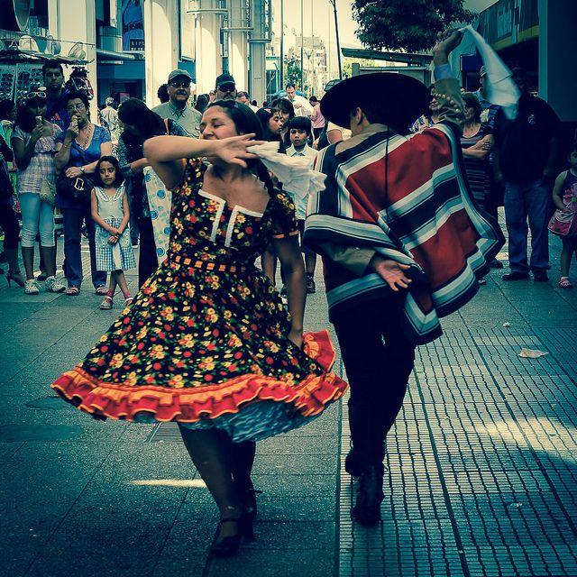 Concepción, Chile. La cueca es el baile típico nacional de Chile.