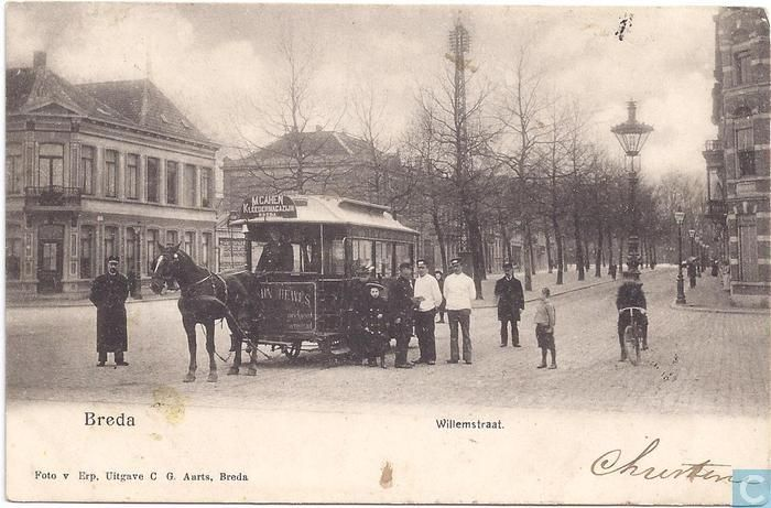 Paardentram in de Willemstraat uit 1905.