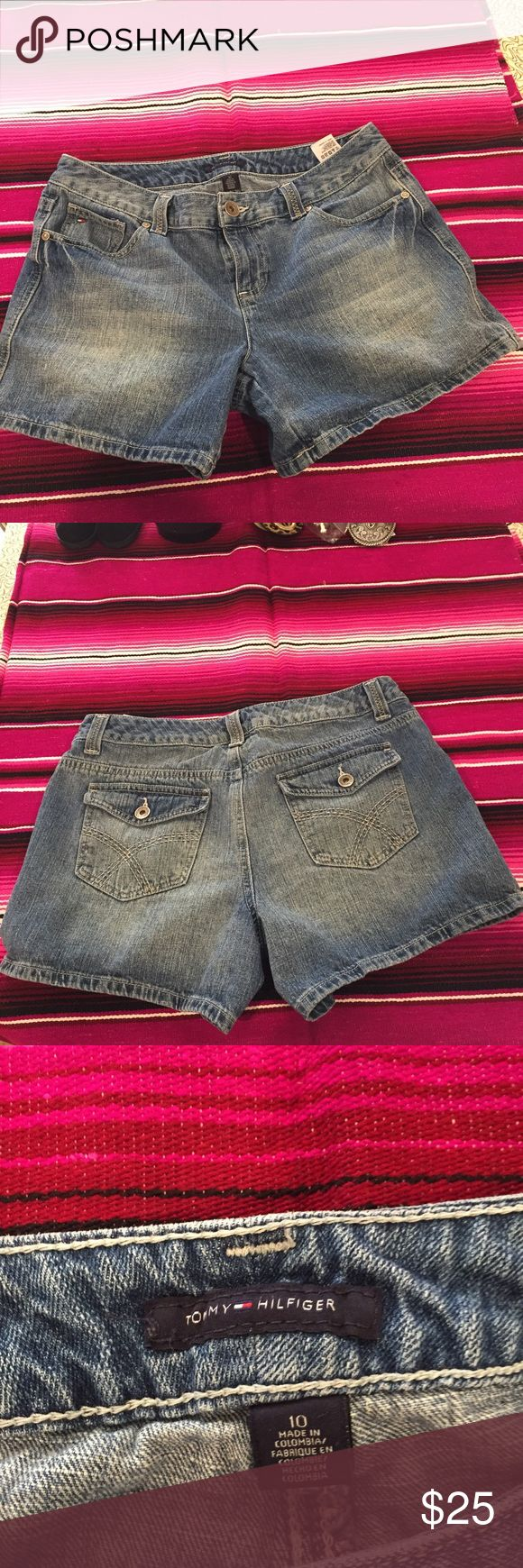 Tommy Hilfiger relaxed fit jean shorts Great condition! Women's Jean shorts. Tommy Hilfiger Shorts Jean Shorts