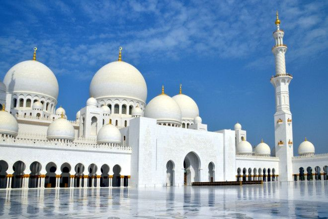 34. Abu Dhabi - World's Most Incredible Cities