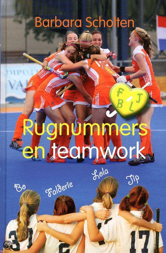 De meiden van D1 doen mee aan een wedstrijd waarmee ze een geweldige prijs kunnen winnen: een compleet verzorgde dag voor het hele team naar het WK! Dit is het zesde deel in deze reeks. Kijk ook op www.barbarascholten.nl.