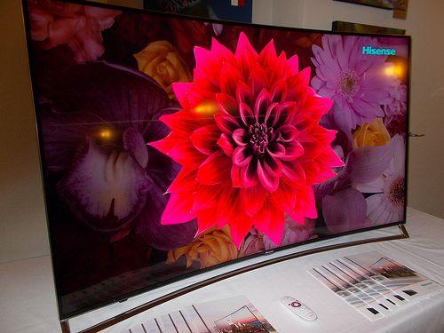 Hisense ha presentato, nel corso di un'apposita sessione tecnica presso la Terrazza Aperol di piazza del Duomo a Milano, il modello 65XT910, il nuovo TV curvo da 65'' pollici