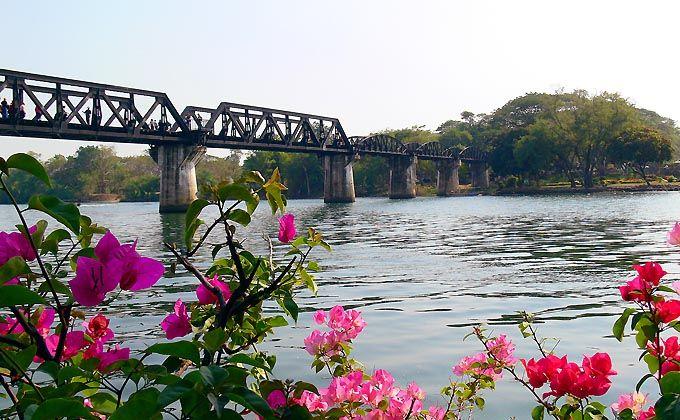 Celojums Kanchanaburi Thailand Bridge River Kwai.  Знакомство с Таиландом  Бангкок – р.Квай – Паттайя – Кох Чанг.    http://www.expresstravel.lv/files/Iepazit-Taizemi-ru.pdf  Lāčplēša 13, Rīga, LV-1010, Latvija  Tālr. 371-67365318; 371-29125637, Fakss: 371-67286161, e-pasts: guntars@expresstravel.lv
