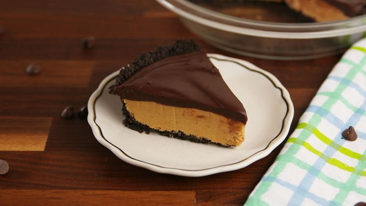 Buckeye Pie: no-bake chocolate peanut butter pie for Reese's lovers