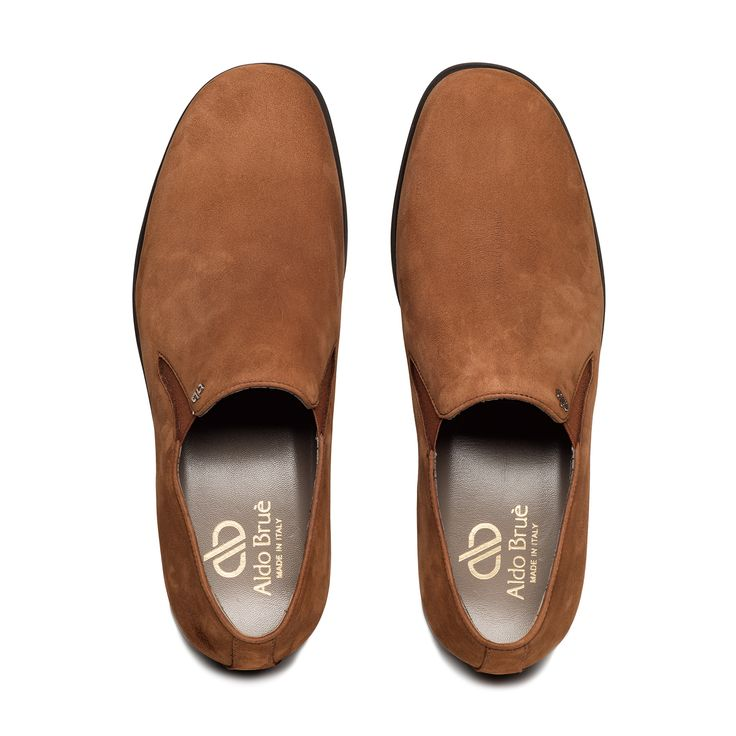 Bespoke slip on #specialedition 2015 by Aldo Bruè. Light brown suede pantofola.