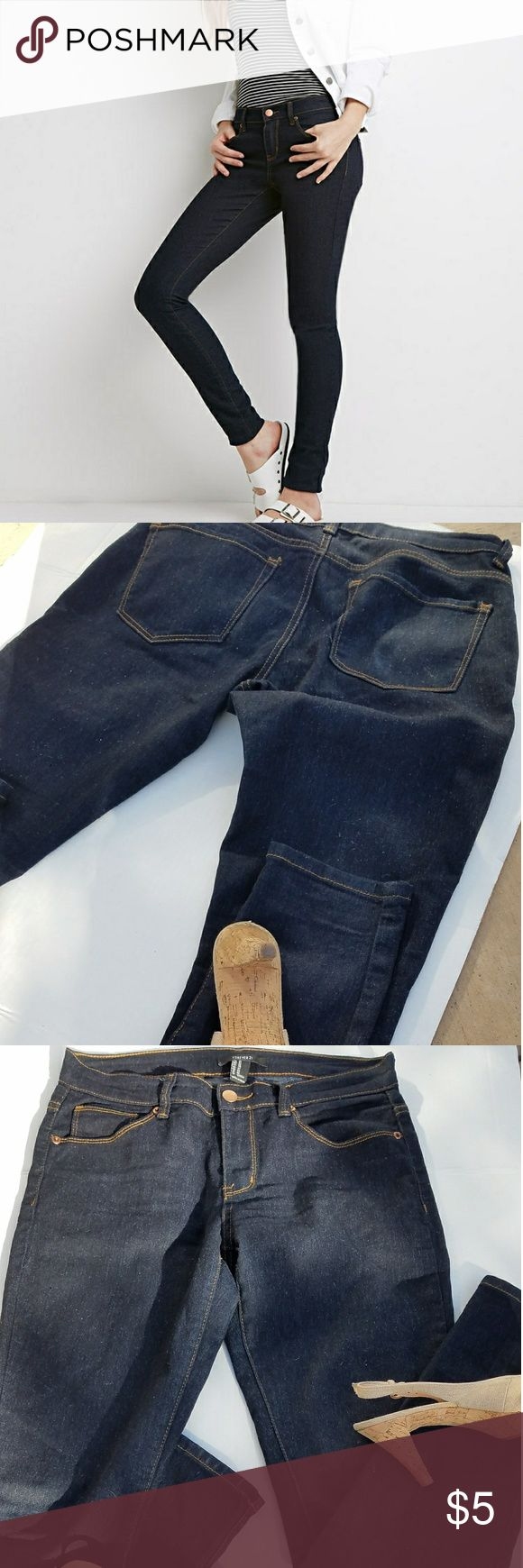 Forever21 dark blue skinny jeans Snug fit jeans for going out or for causel friday As seen in pictures this jeans has no rips or tears there is small fuzzing but no defects Forever 21 Jeans Skinny