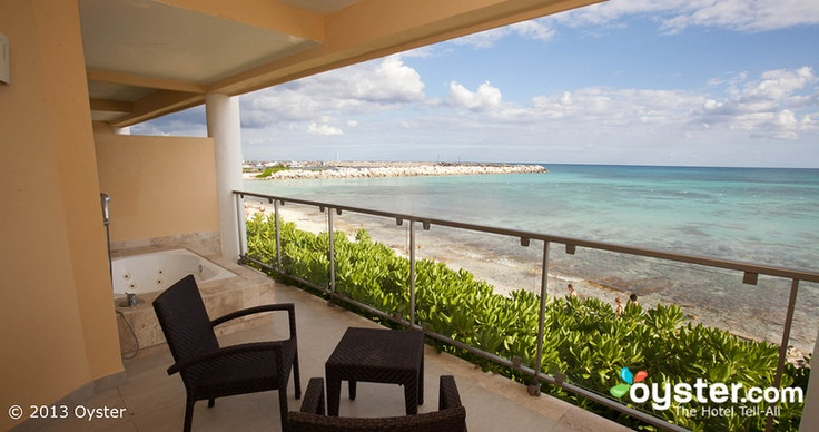 The Junior Suite At The Now Jade Riviera Cancun Jacuzzi