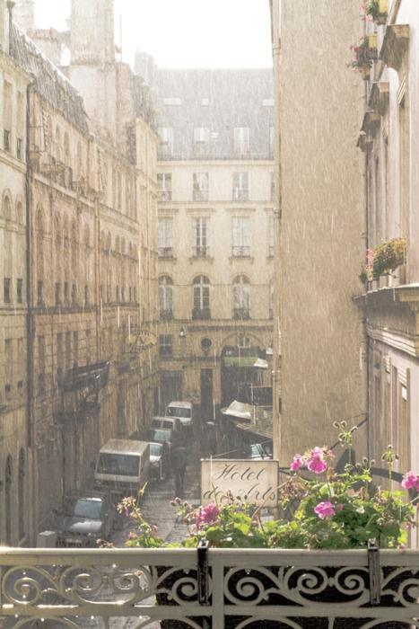 rain and sunshine in paris