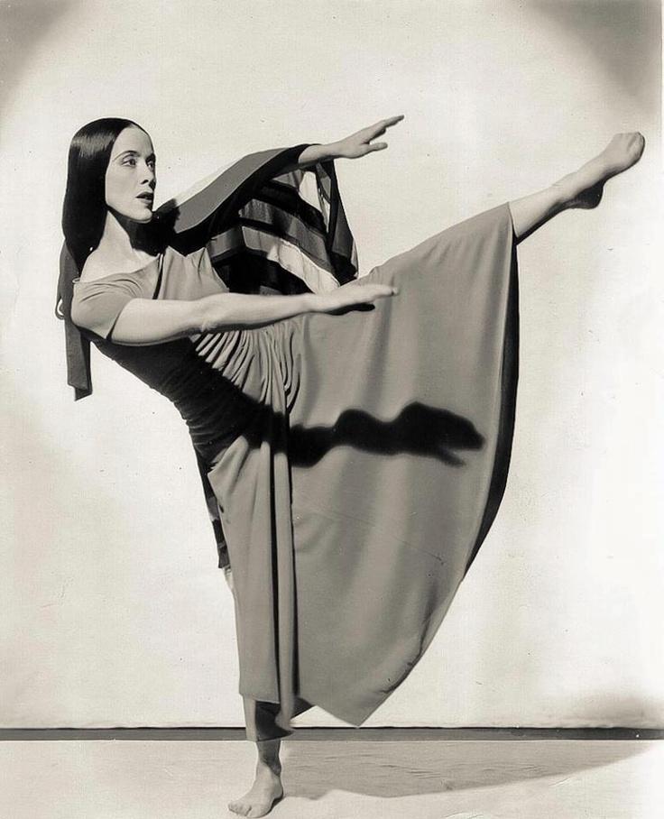 Martha Graham Melissa Wilhoit via Rachel Handshaw onto tanzt, tanzt sonst sind wir verloren