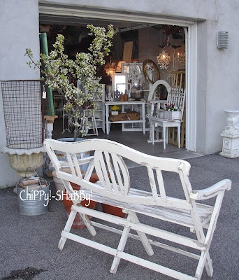 FaB VinTAGe Bench from England...  ChiPPy!-SHaBBy! April S*A*L*E 2012
