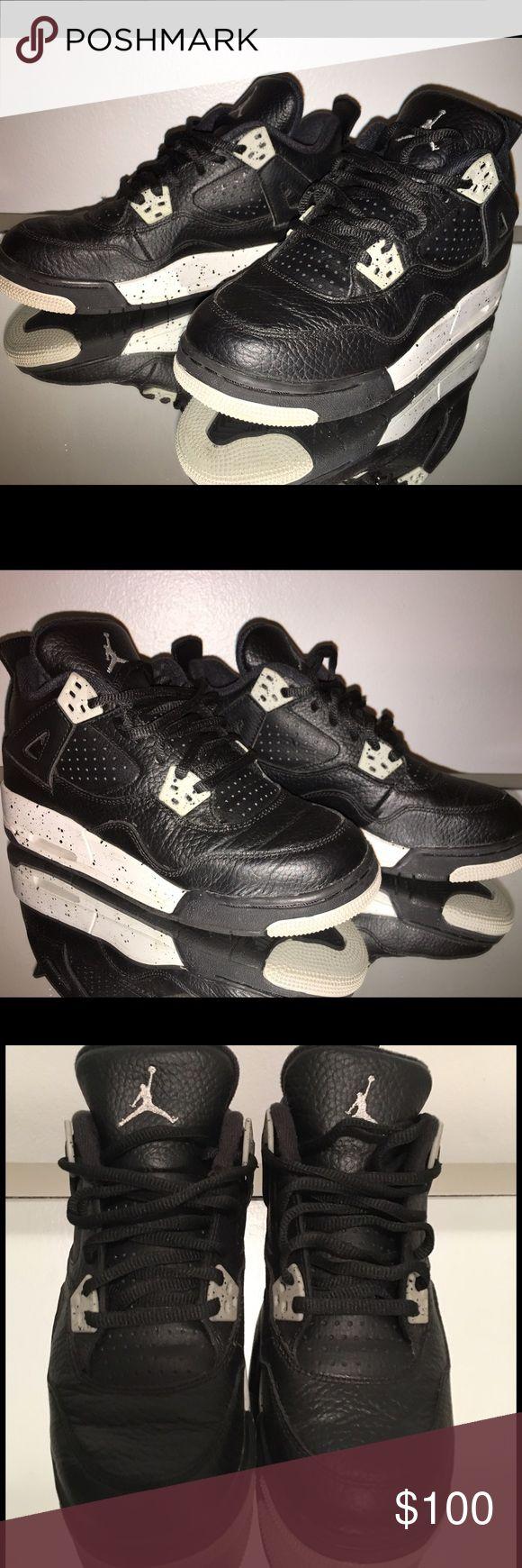 "Air Jordan 4 Retro ""Oreo"" Black/Grey sz 5 Jordan Retro 4 ""Oreo"" black and grey in boy's size 5. Fits women's size 7-7.5. Worn a handful of times so still in great condition. Jordan Shoes Sneakers"
