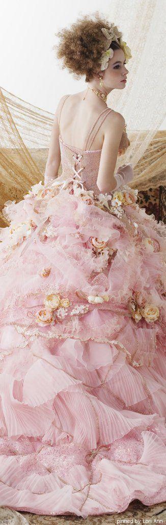 Stella de Libero - the kind of dress little girls dream of wearing as a lady