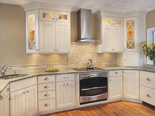 Khaki Walls And Stone Backsplash In A Kitchen Designed By Lisa Zompa Of Kitchen Views Warwick