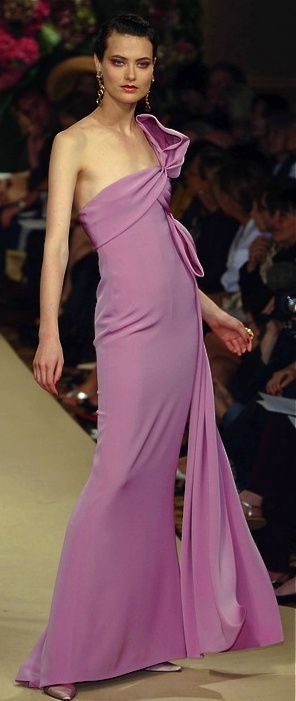 Yves Saint Laurent... the color of the year!! b♡