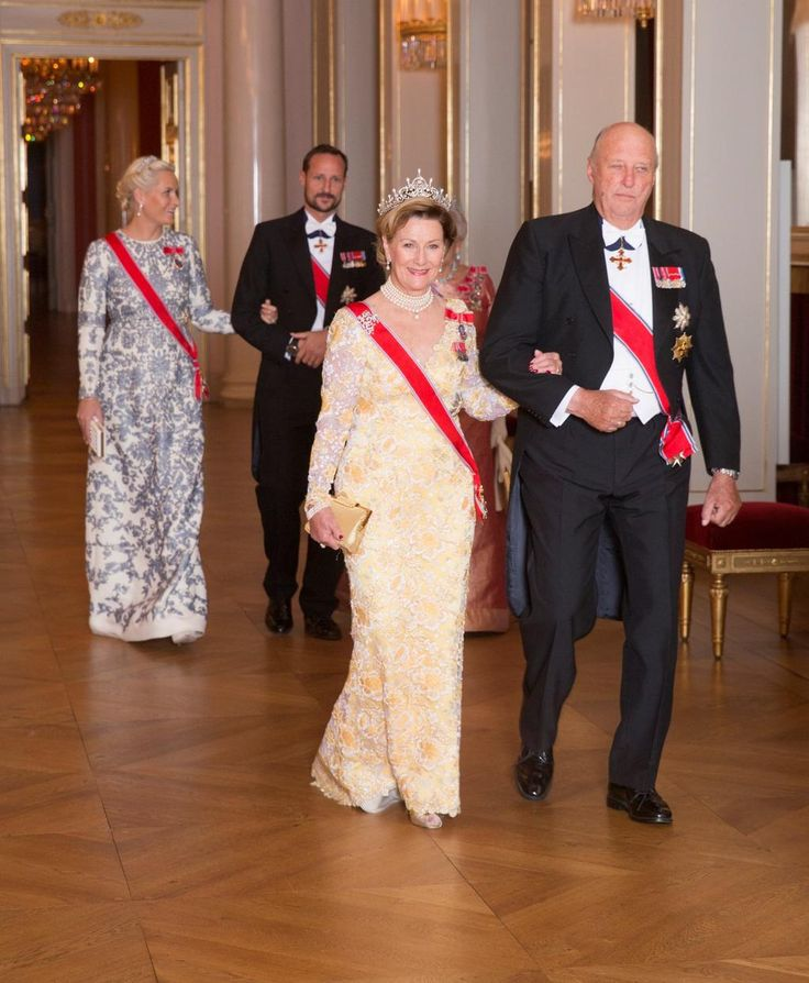 ANOTHER #GALA IN #OSLO The #King & #Queen of #Norway gave their annual dinner for members of #NationalAssembly #Royal