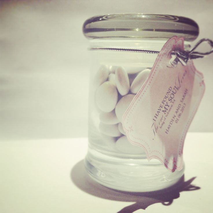 Wedding favors with white smarties! Can be customized to your preferences! :) Email us to find out how we can create the perfect wedding favor for your wedding!:) xx email: info@cherishonline.com.au